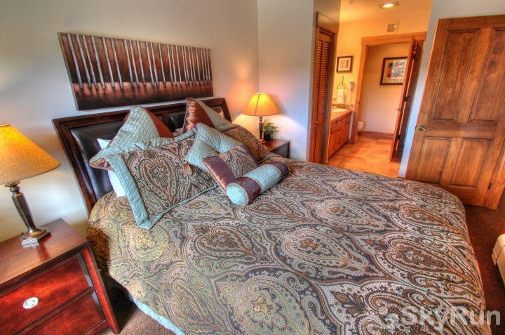 8844 The Springs Master Suite