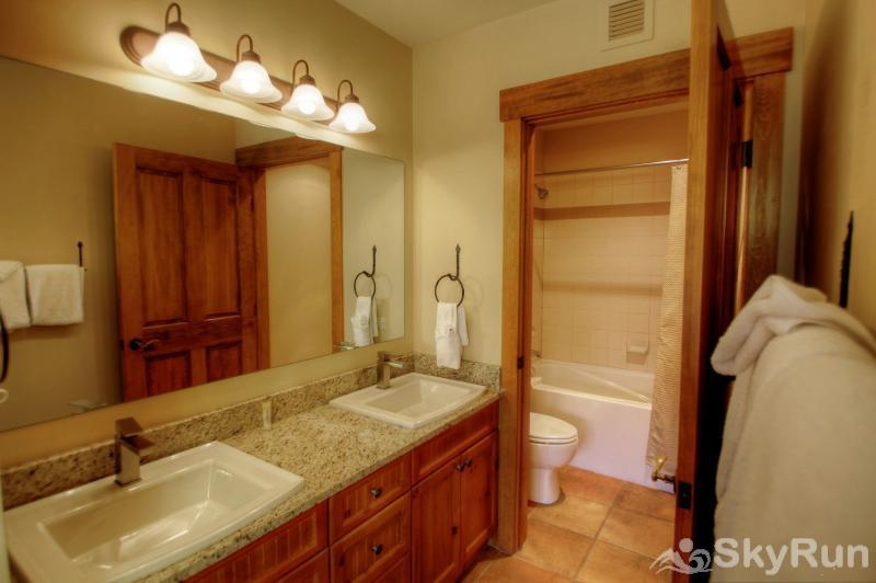 8854 The Springs Master Bathroom