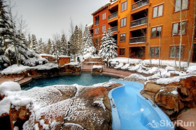 8854 The Springs Outdoor Heated Pool