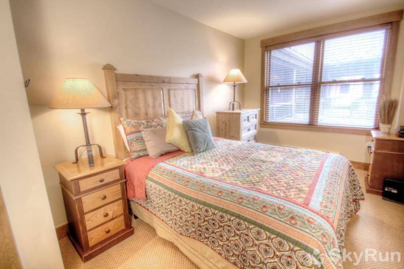 8824 The Springs Master Suite