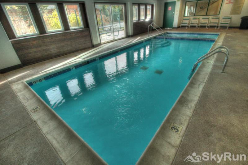 5038 Gateway Indoor Pool and Hot Tub
