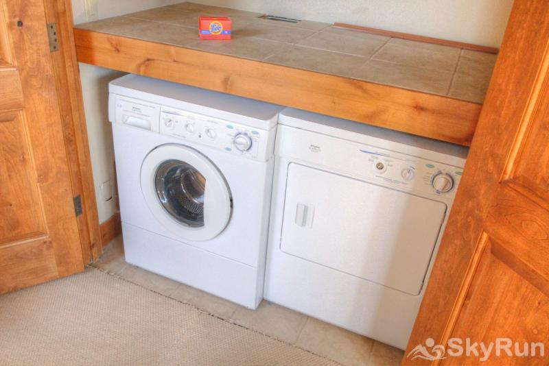18 Autumn Brook Washer and dryer