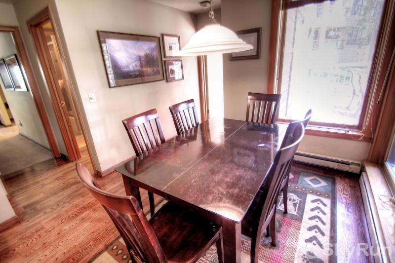 1633 Quicksilver Dining Room