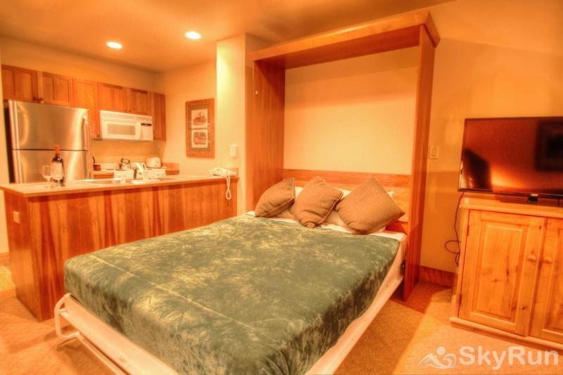 2214 Red Hawk Lodge Murphy Bed