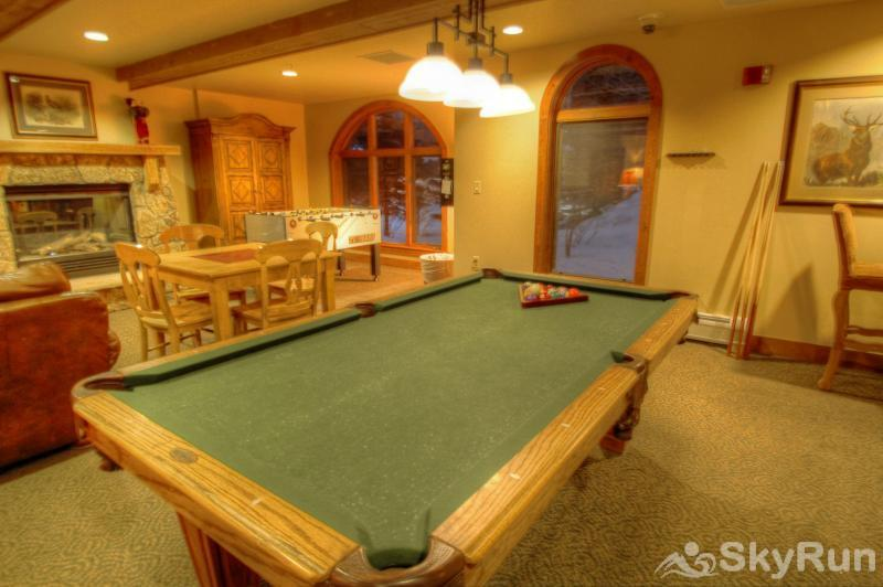 2214 Red Hawk Lodge Game Area