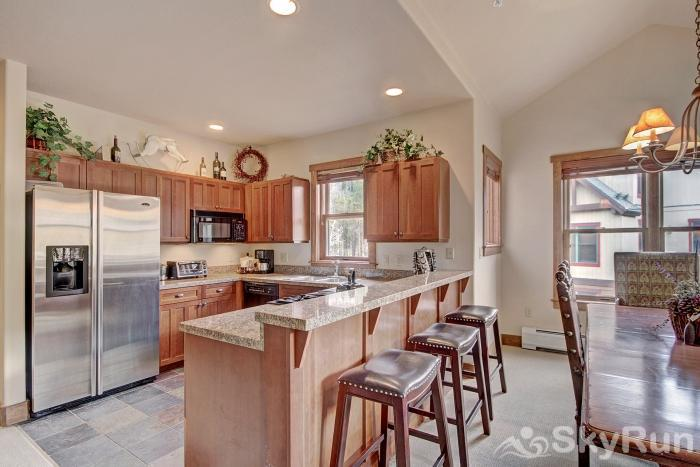 2326 Red Hawk Townhomes Breakfast Bar