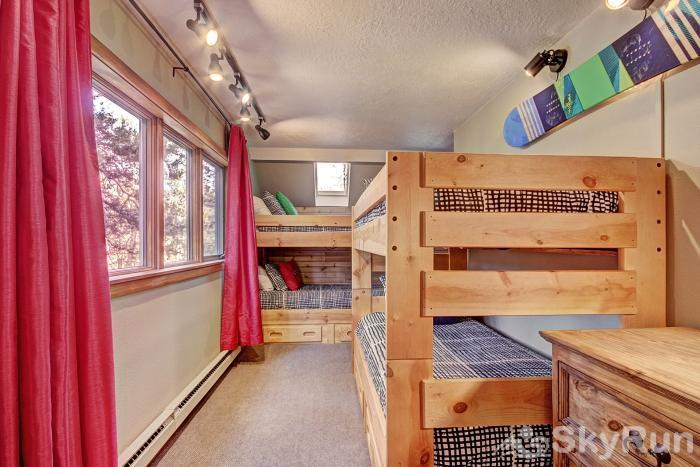 2054 The Pines Bunk Beds
