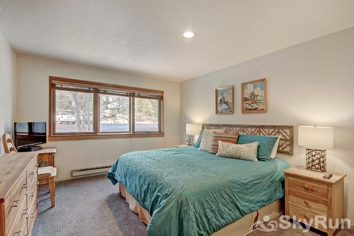 1655 Quicksilver Guest Bedroom