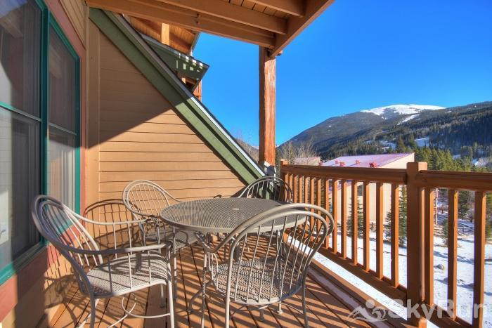 2655 Tenderfoot Lodge Deck